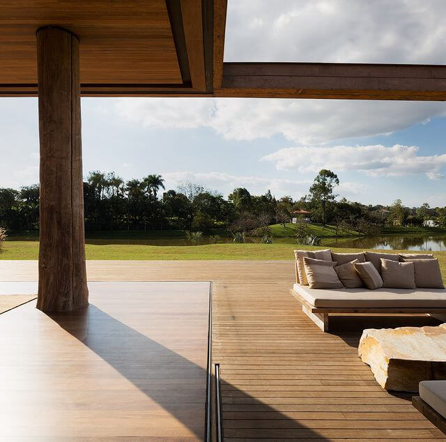 Easy Composite Deck Cleaning Methods